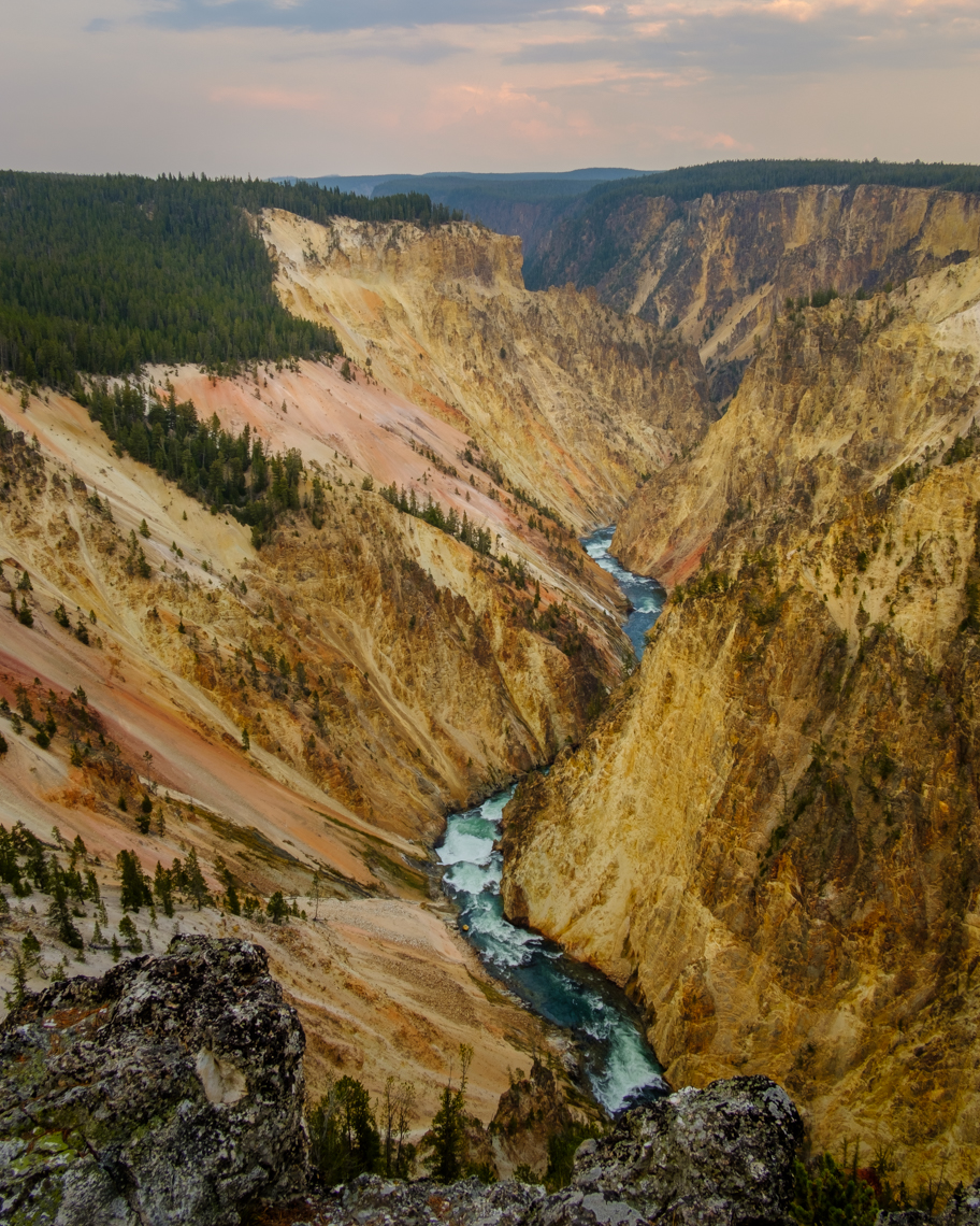 Yellowstone_Grand_Canyon_1
